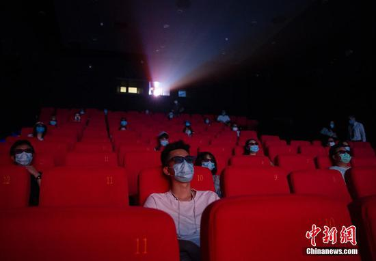China's box office hits 5 bln yuan since reopening of theat